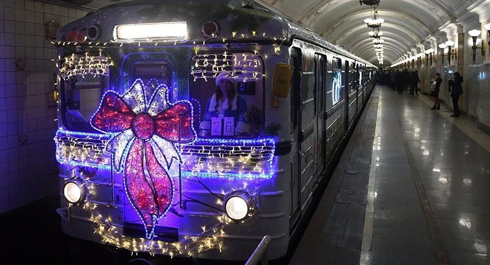 Метро столицы запустит еще три новогодних поезда