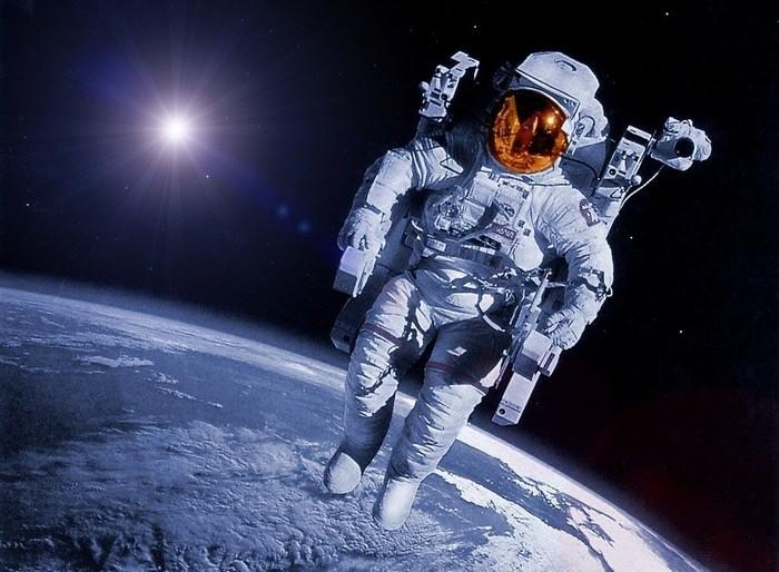 Грузовой космический корабль Dragon благополучно прибыл наМКС
