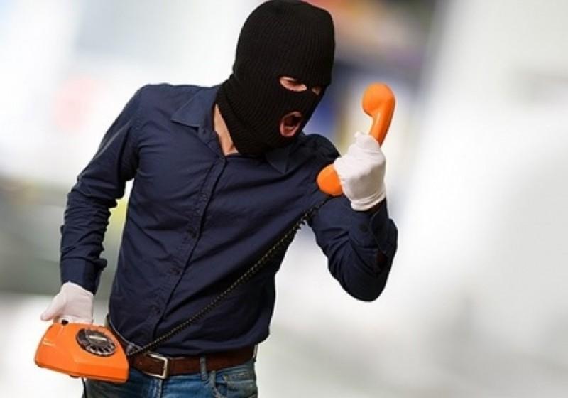 В российской столице эвакуировали журфак МГУ