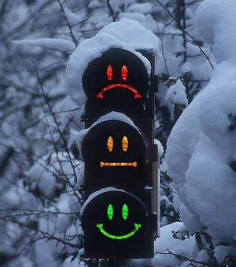 ВНовосибирске разработали светофор сосмайлами