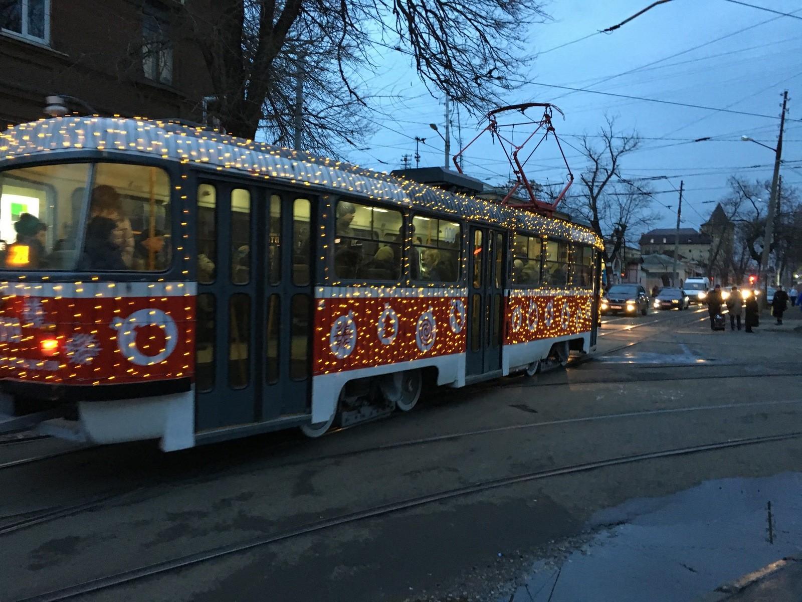 ВМУП «КТТУ» афишировали график работы новогодних трамваев вКраснодаре