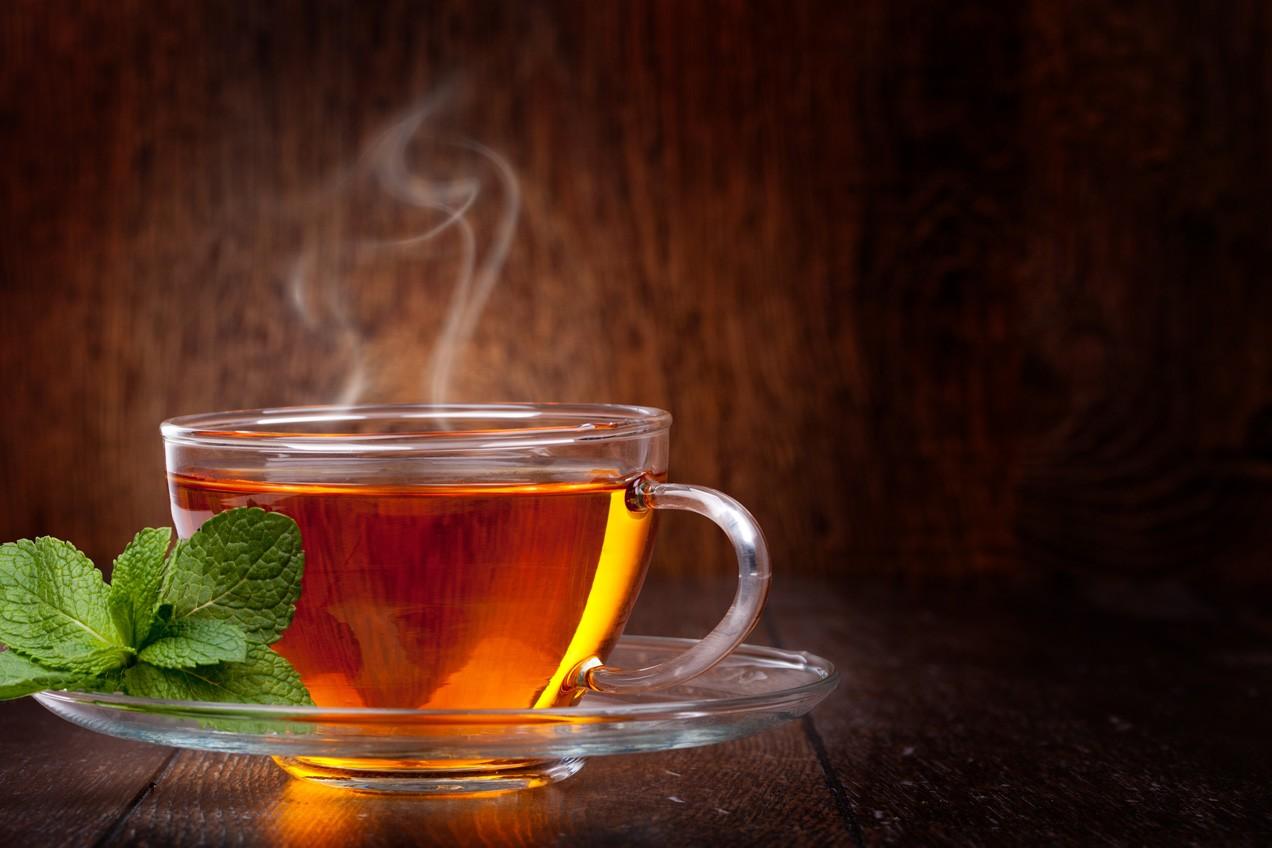 В столице России работники метро раздали неменее 285 литров чая