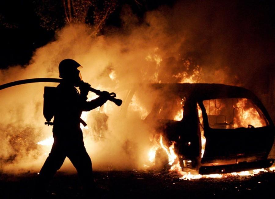 Пьяная автоледи сдетьми вмашине устроила ДТП спожаром вКрасноярске