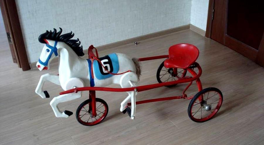 ВВерхней Пышмы появились педальный «Конь» имотороллер «Крошка»