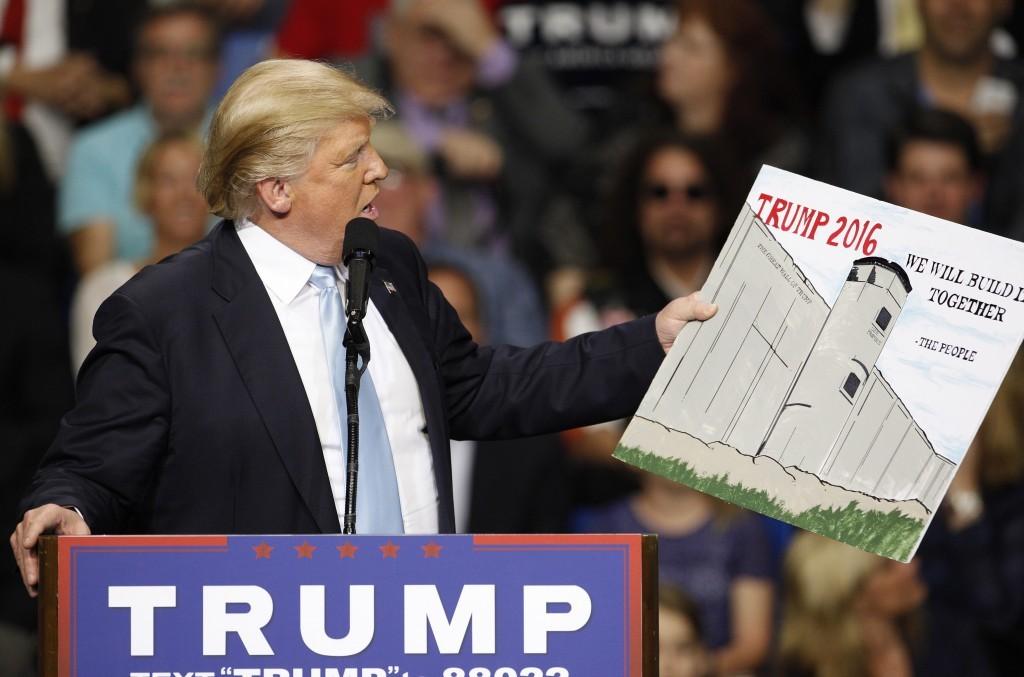 ВСША представили восемь прототипов стены награнице сМексикой