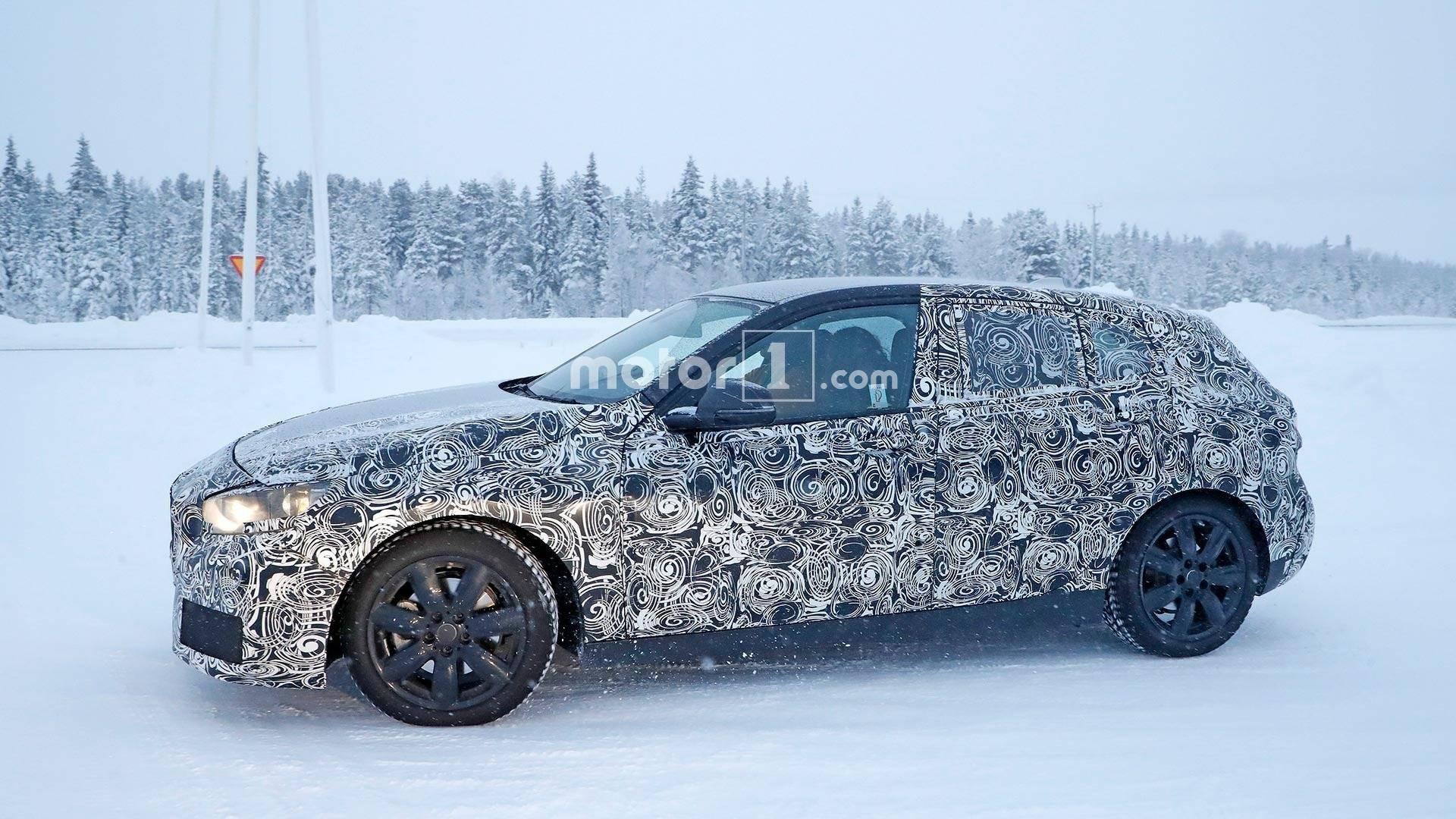 Автомобильные шпионы увидели новый БМВ 1-Series назимних тестах