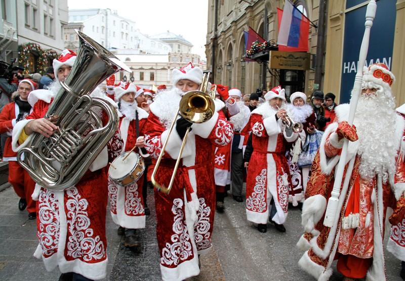 Завтра наТверской состоится флешмоб «Обними Деда мороза»