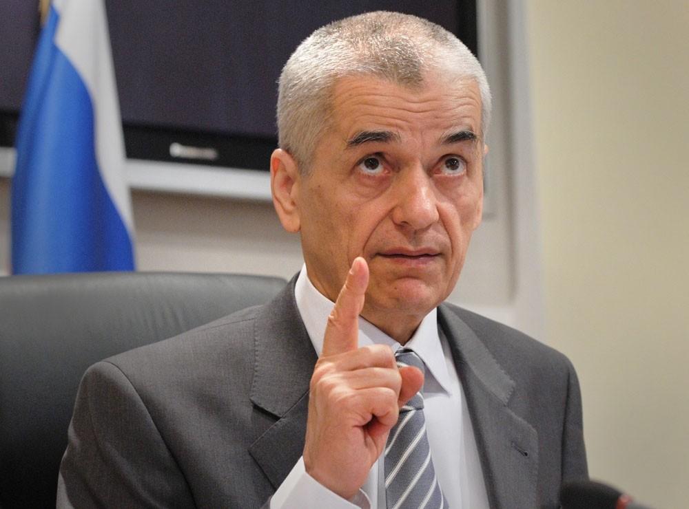 Онищенко порекомендовал отказаться отсалата «Оливье» нановогоднем столе