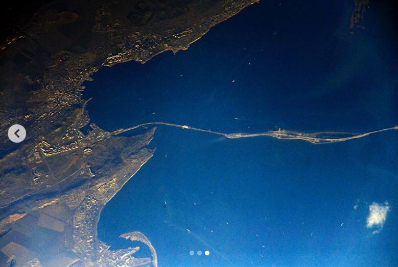 Севастопольский космонавт Антон Шкаплеров показал, как наМКС поставили новогоднюю елку
