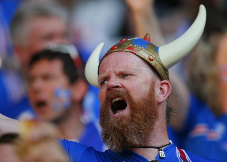 Гражданин Исландии Сигурдфлордбрадсен пожаловался натяжелые фамилии уроссиян