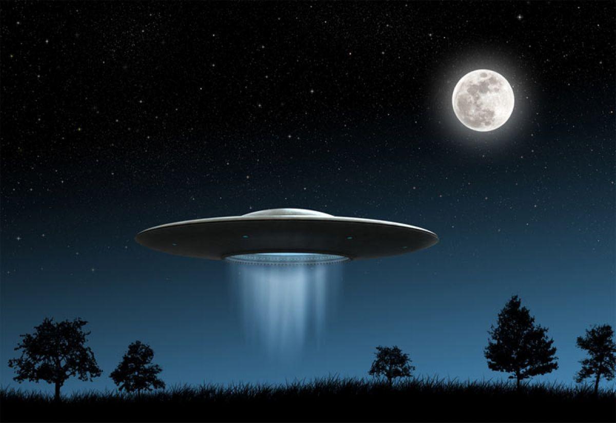 Уфологи обсуждают видео изАзербайджана, где таинственные НЛО два раза попали в эпизод