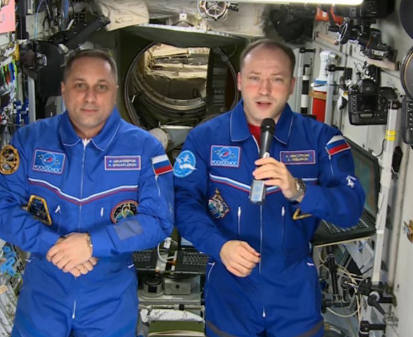 Экипаж МКС поздравил граждан России сНовым годом