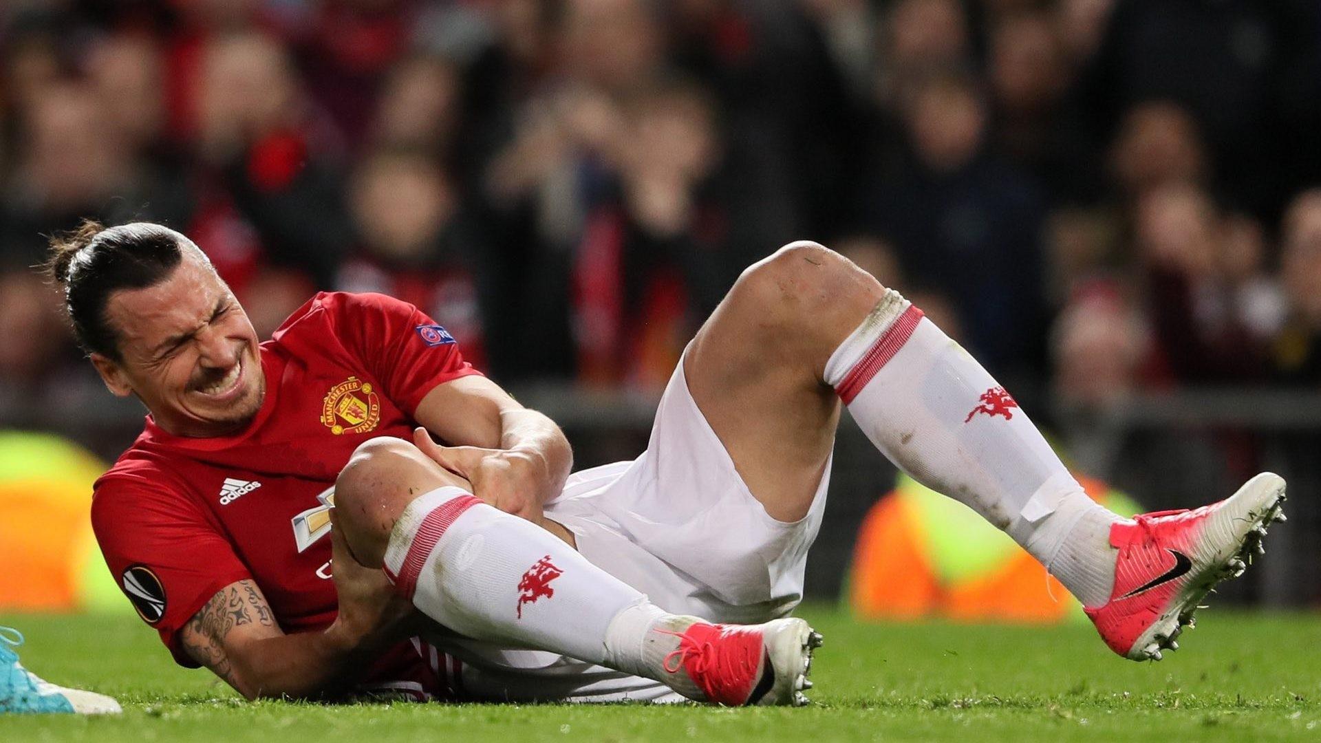 Футболист «Манчестер Юнайтед» Ибрагимович пропустит месяц из-за травмы