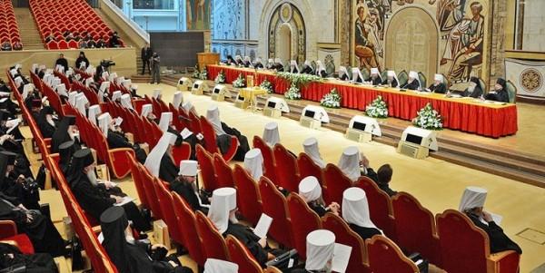 Архиерейский собор РПЦ разрешил крёстному отцу и матери заключать браки
