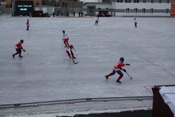 ХК «Енисей» из Красноярска выиграл российский Суперкубок по хоккею с мячом