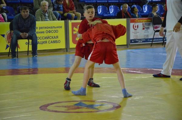 Первенству по самбо способствовали спортсмены из Пятигорска