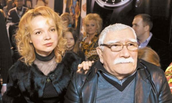 Экс-супруге Джигарханяна предъявили обвинения в нарушении тайны личной жизни