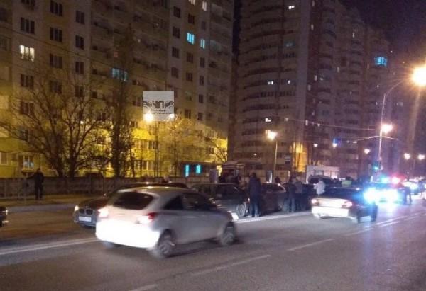 В Краснодаре в результате ДТП столкнулись 7 легковых автомобилей