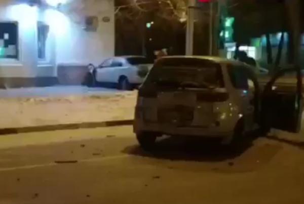 В Благовещенске иномарка врезалась в здание районной администрации