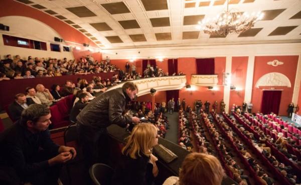 В Москве сторонники ДНР сорвали показ фильма, прославляющего украинских неонацистов