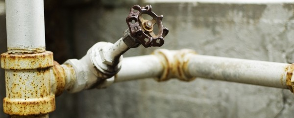 В 2 домах в Ульяновске было отключено холодное водоснабжение из-за аварии