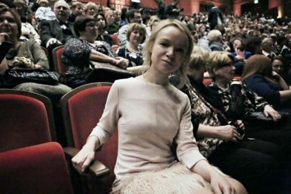 Экс-супруга Джигарханяна Цымбалюк-Романовская впервые после развода вышла в свет