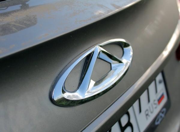 Новый мощный седан Infiniti Q50 оценили в 1,9 млн рублей