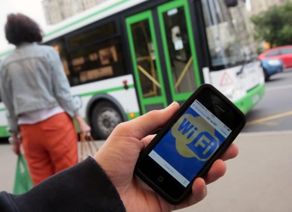 «Мосгортранс»: В Москве выросла популярность Wi-Fi сети наземного транспорта