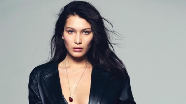 Белла Хадид снялась обнаженной для Vogue