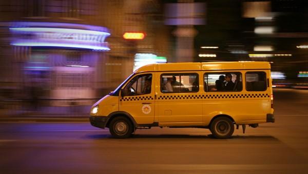 В Ростове маршрутка с пассажирами загорелась на ходу