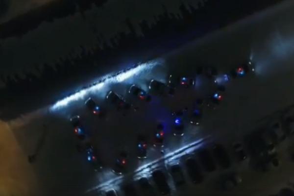 В Уфе инспекторы ГИБДД выстроили автоёлку к Новому году