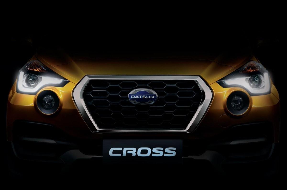 Всети появились первые фотографии нового кроссовера Datsun Cross class=