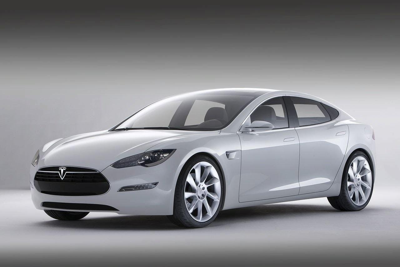 В 2017 году компания Tesla продала более 100 тысяч автомобилей