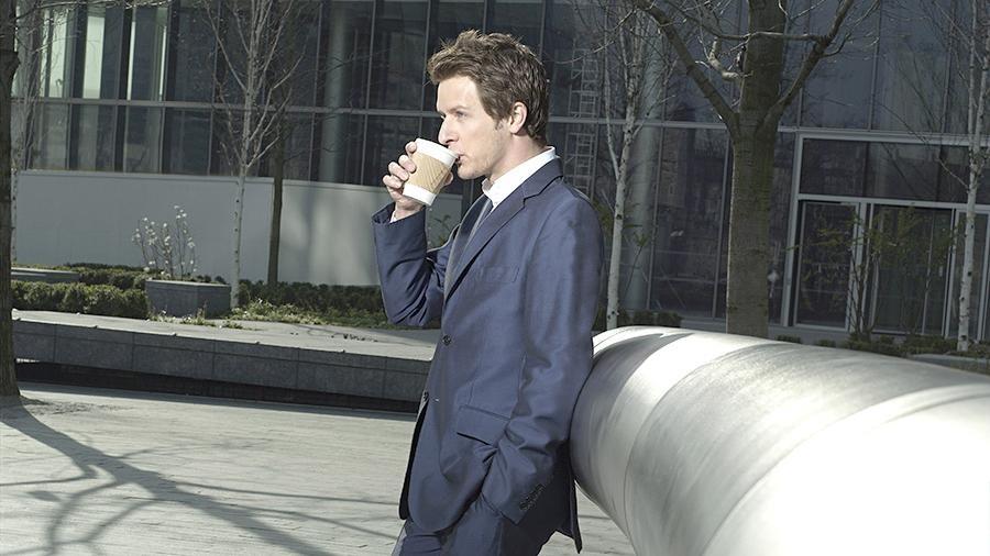 В Великобритании введут налог на разовые стаканчики