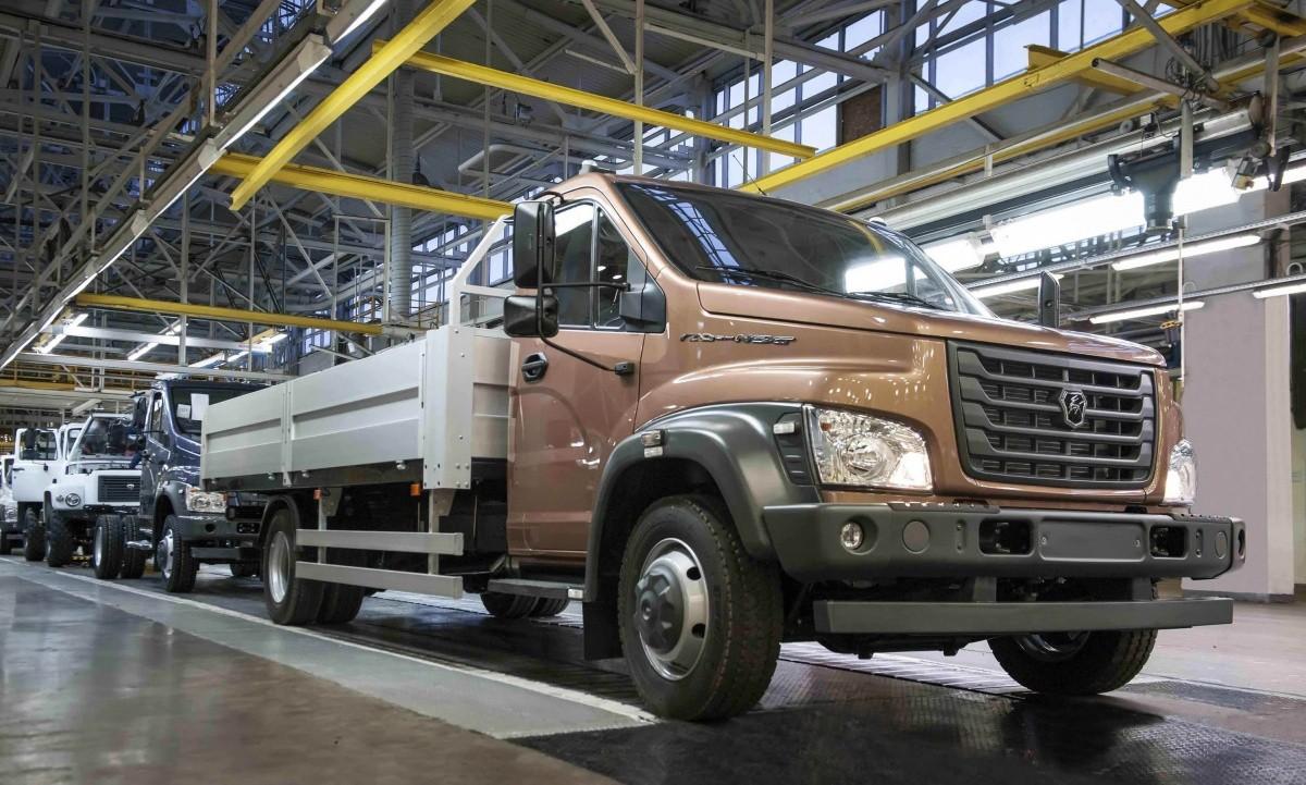 Завод ГАЗ остановил производство до 20 января