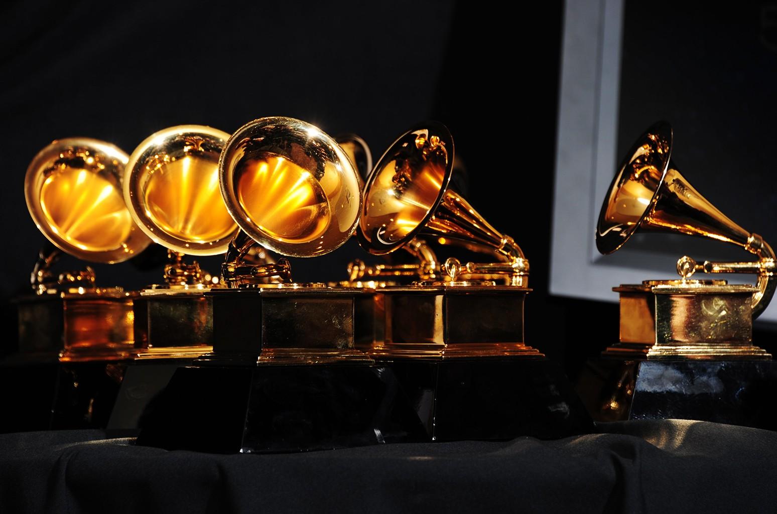 Тина Тернер иQueen стали лауреатами особых почетных «Грэмми»