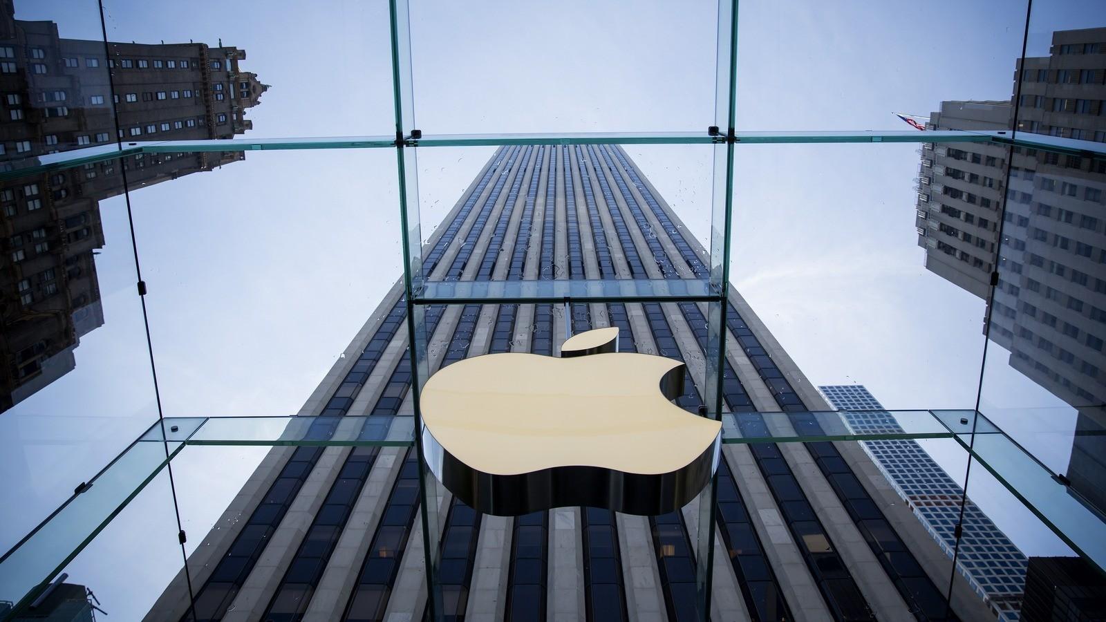 ВСША сенатор потребовал отТима Кука пояснить замедление iPhone