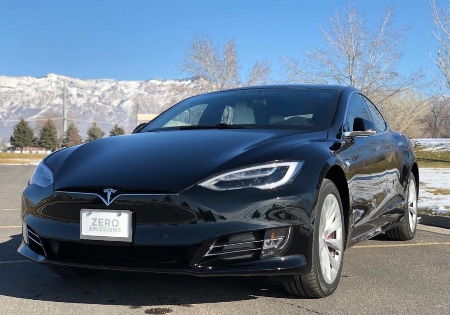 Tesla Model S превратили в быстрейший в мире бронированный автомобиль