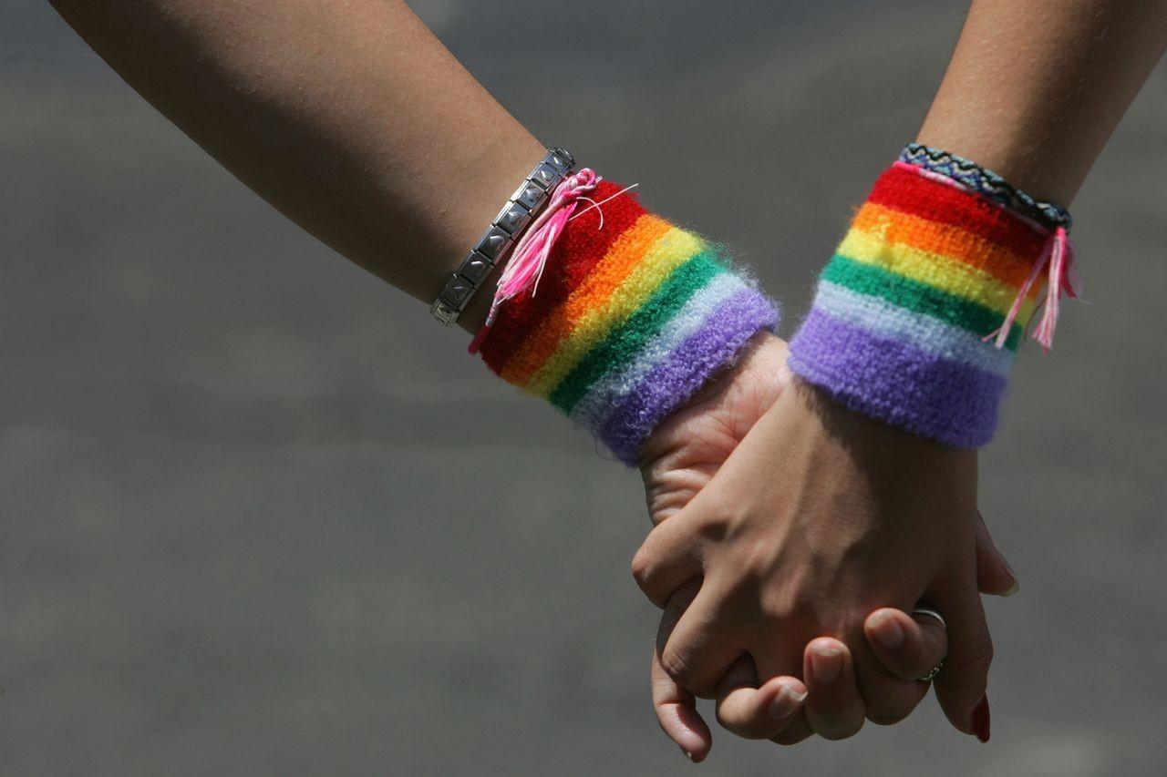 Суд вФинляндии оправдал рэперов, которые открыли «гей-бар наземле Путина»