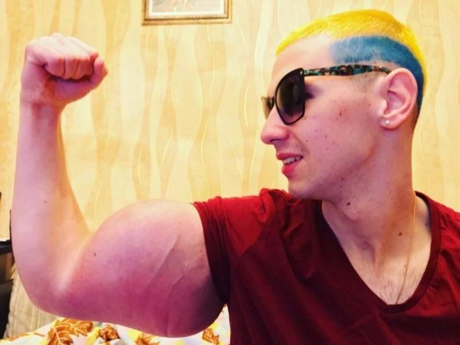 Пятигорчанин Кирилл «Руки-базуки» Терёшин удалил брови