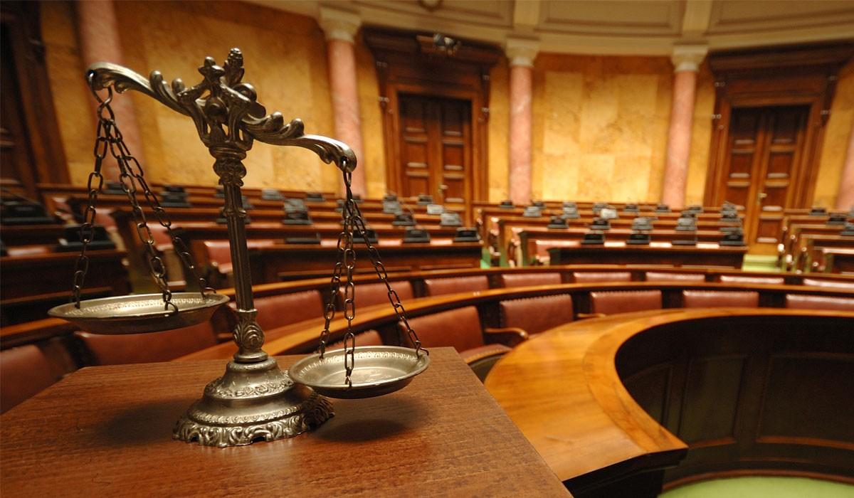 ВВолгограде будут судить пару, 4 месяца насиловавшую 12-летнюю дочь