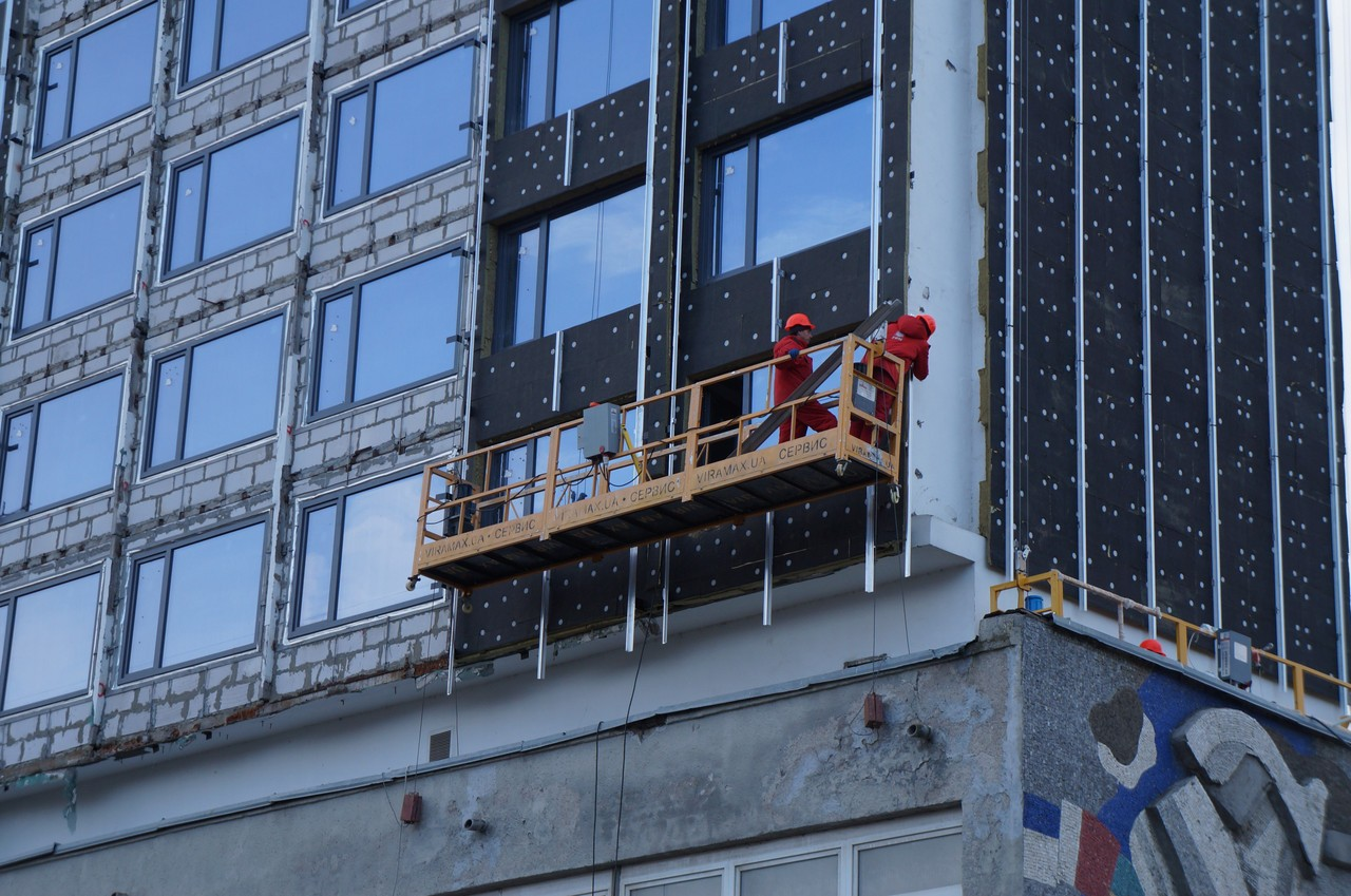 Наюго-западе столицы строительная люлька срабочим рухнула свысотки