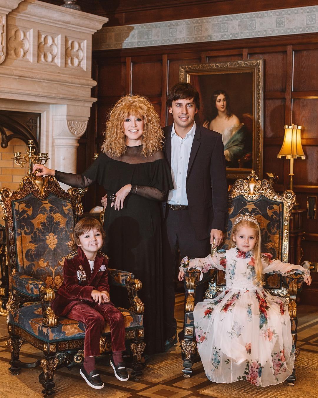 Семейные фото пугачевой и галкина с детьми