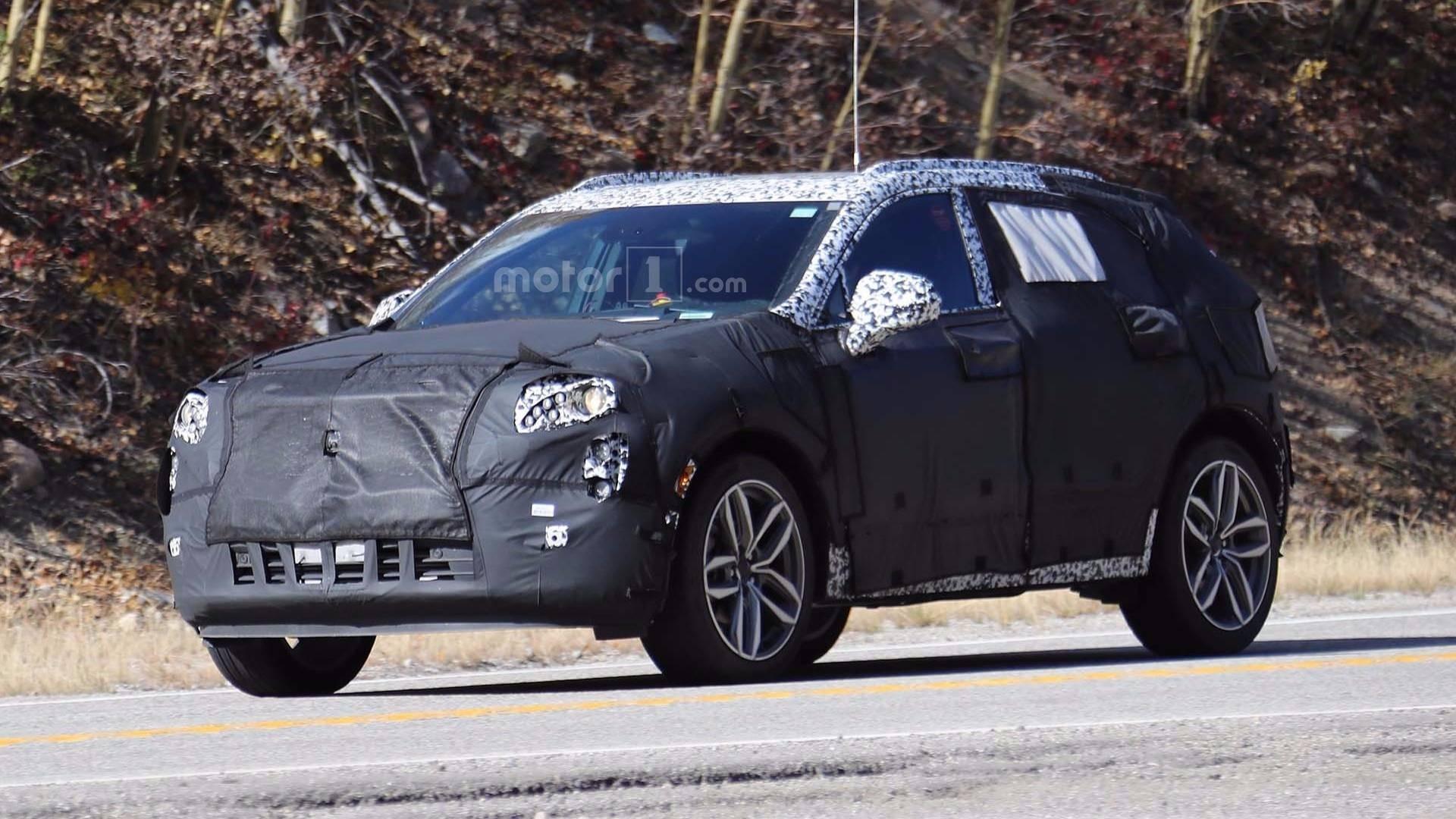 Cadillac XT4 могут презентовать на автосалоне в Нью-Йорке весной