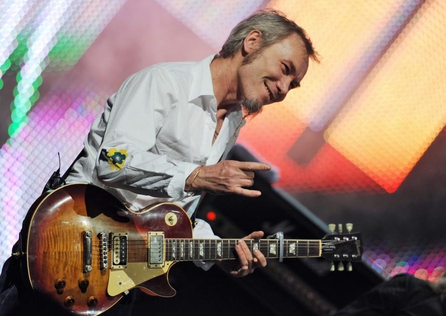 Гитарист группы «Чайф» обвинил Шнурова в нанесении вреда рок-музыке