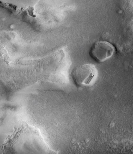 Уфолог отыскал наМарсе созданные пришельцами подземные входы