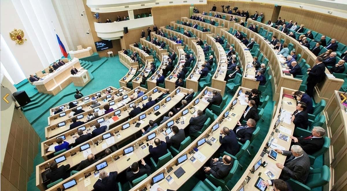 Совет федерации втрое увеличит расходы натранспорт для сенаторов к 2020