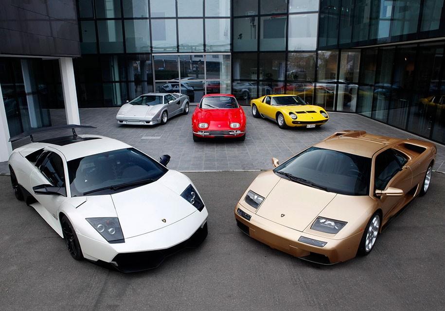 Эволюцию Lamborghini с1963 года засемь минут показали навидео