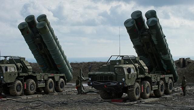 Зенитчики ЮВО провели учения сдислоцированными вКрыму комплексами С-400