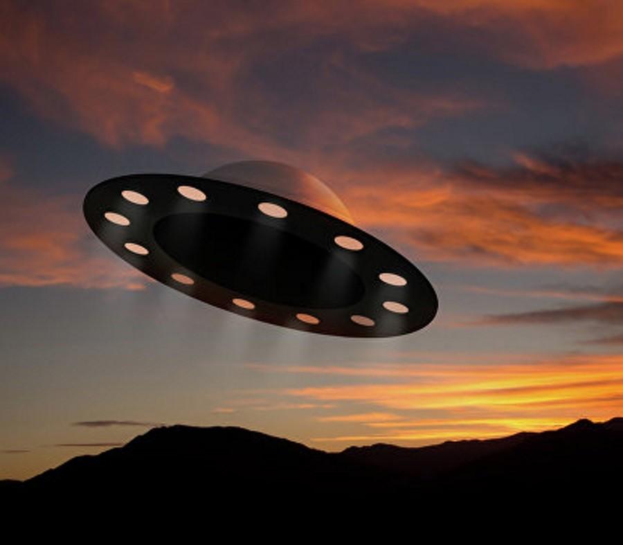 Впустыне Аризоны увидели 30-метровый сферический НЛО